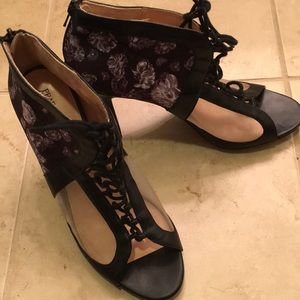 Amazing lace up heels- size 10